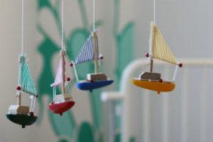 Petit bateaux sur un Mobile pour enfants